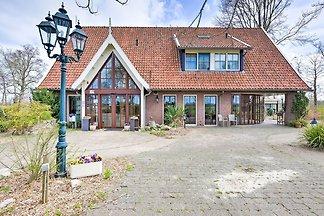 Hübsches Ferienhaus in Eibergen mit Garten