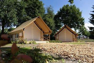 Schöne Zelthütte mit Veranda, 2 km vom Efteli...