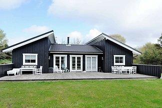 Großzügiges Ferienhaus in Blåvand mit Sauna