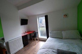 Simplistic Apartment in Coventry near FarGo...