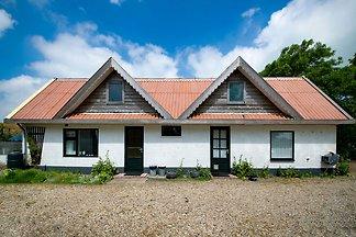 Idyllisches Ferienhaus in Callantsoog in...