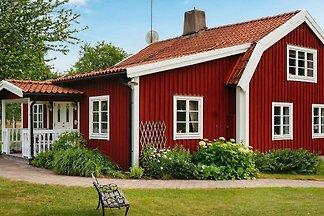 6 Personen Ferienhaus in BLOMSTERMÅLA