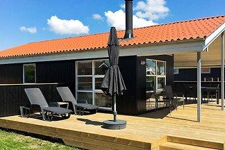 Komfortables Ferienhaus mit Meerblick in Rønd...