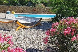 Encantadora casa de vacaciones en Faucon con...