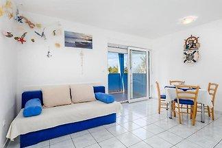 Einladende Wohnung in Mandre mit Terrasse