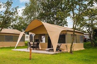 Schönes Zelt mit Sanitäranlagen direkt am...