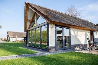 Modernes Ferienhaus in Alphen-Chaam mit offen...