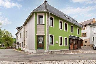 Helle und moderne Erdgeschossferienwohnung in...