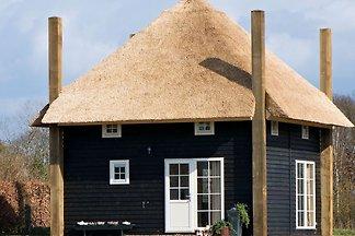 Authentisch gestaltetes Haus mit Geschirrspül...