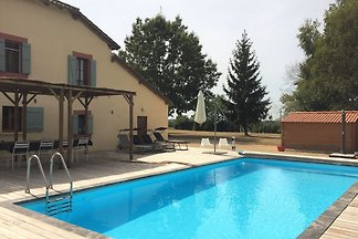 Luxuriöse Villa in Cazaubon mit Swimmingpool