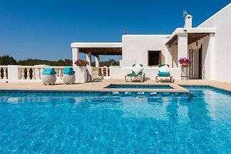 Accogliente casa vacanze con piscina nelle...