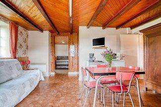 Schönes Ferienhaus in Waldnähe in Vagney