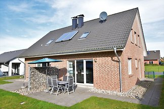 Ferienhaus mit Kamin, Garten und Terrasse, 2 ...