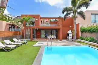 Komfortable Villa mit privatem Pool und...
