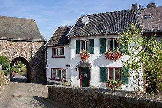 Gemütliche Ferienwohnung im Burgbering von Re...