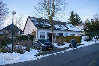 Gemütliches Ferienhaus in Hildfeld mit...