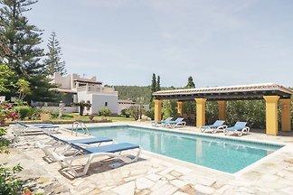 Schöne Villa mit Whirlpool in Santa Eulària d...