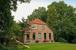 Ruhig gelegenes Bauernhaus in Reestdal mit...