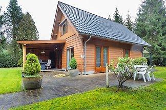 Herrliches, freistehendes Holzhaus mit schöne...