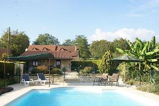 Ferienhaus mit privatem Pool in Montcléra,...
