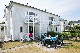 Komfortable Villa mit vier Badezimmern, 9 km ...