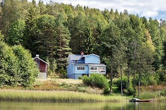 Haus am See, See Bullaren
