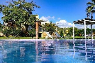 """Villa con piscina """" Gli Oleandri"""""""