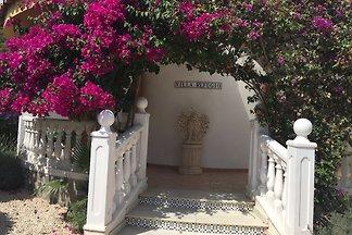 Villa Refugio mit Pool und  Garten