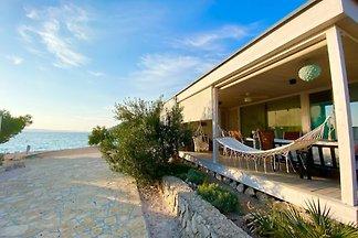 Buqez Eco Resort Strandvilla No. 30