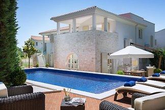 Villa Carlotta by HMZ Villas