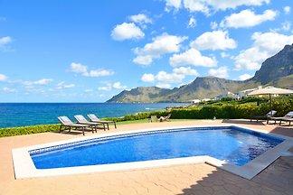 Mallorca Family Sea Front Villa Es
