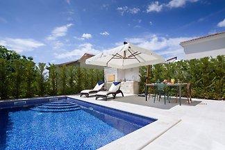 Villa Gioia by HMZ Villas