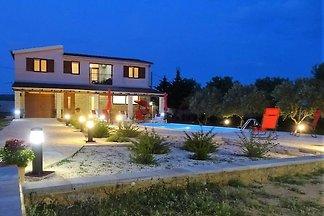 Villa Rossa mit Pool für 8