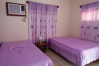 Hostal Yadira y Yurien Appartement