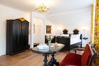Heritage Boutique Apartment Ella