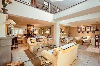 Villa Limonaia, luxury 3 BR villa