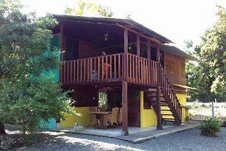 Haus mit trop. Garten am Cahuita