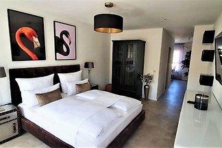 Deluxe Apartment Flamingo in