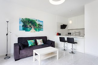 Luxurious apartment in Garden Beach