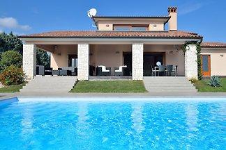 Villa Labin - großer beheizter Pool