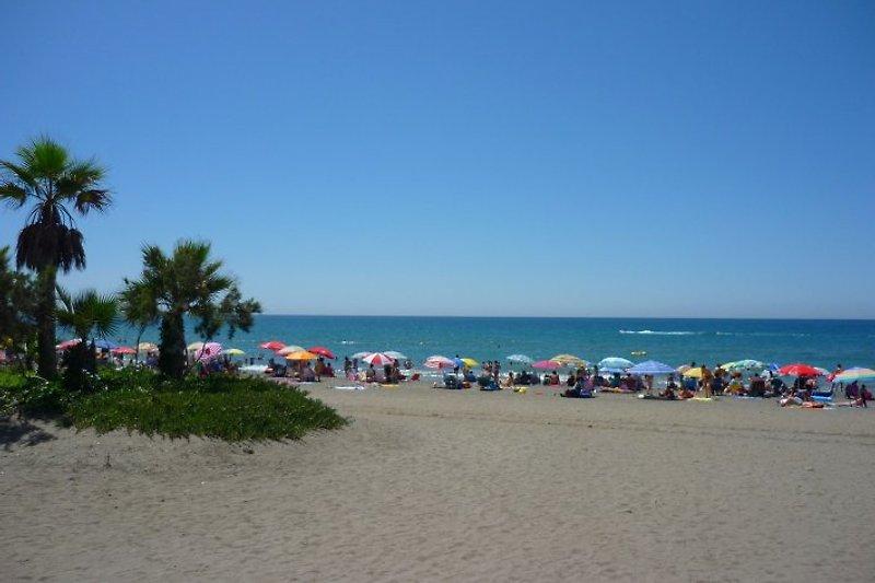 Strand vor Laguna Beach in der Hochsaison