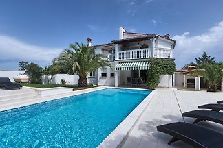 Villa Ajda