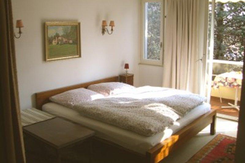Wohn-, Schlafzimmer