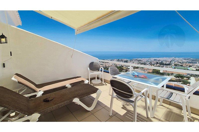 Der beste Panoramablick von Nerja - diesen genießen Sie von der Terrasse dieser Ferienwohnung