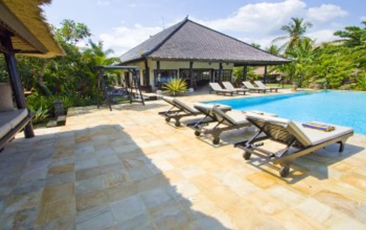 villa lovina beach ferienhaus in lovina mieten. Black Bedroom Furniture Sets. Home Design Ideas