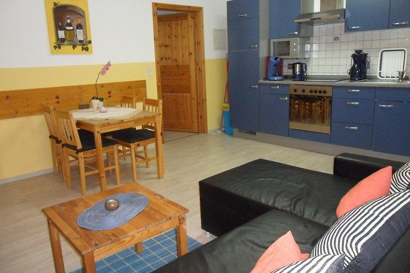 Küche - Wohn-Essbereich