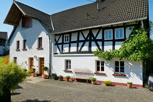 The country house by the stream  in Werkhausen - picture 1