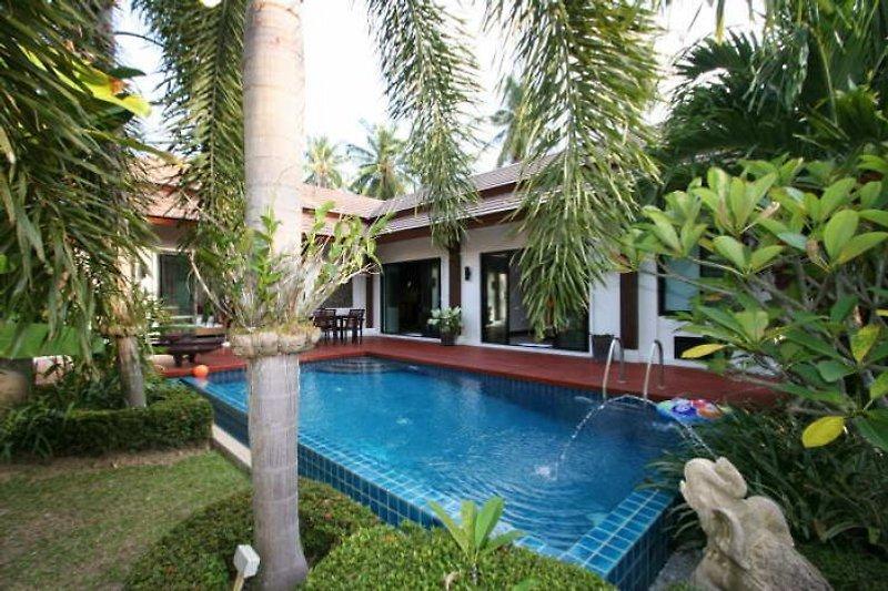 Michel's Pool Villa (R.M01) in Nai Harn Beach - immagine 2