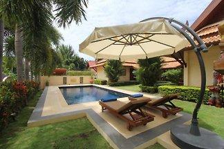Nobby's Pool Villa