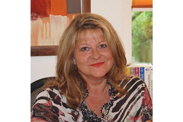 Frau B. Kuschel